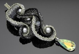 Interlocking_Pendant___Paulette_Baron_72_Sm_Web.jpg